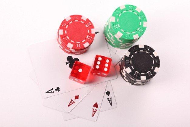 fundo-branco-aposta-apostas-jogo_3315507